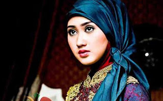 Dian Pelangi profil Trend Model Hijab Terbaru Terkini