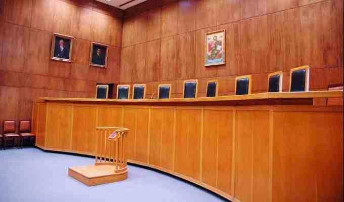 Μια πολιτική δίκη και ο ελληνικός λαός