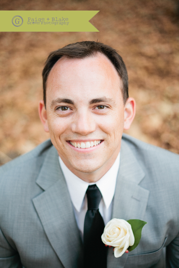 Portrait of the Groom : Photo by Paige and Blake Green