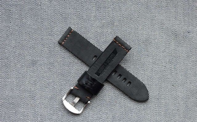 Worn & Wound Model 1 Horween Coal watch strap