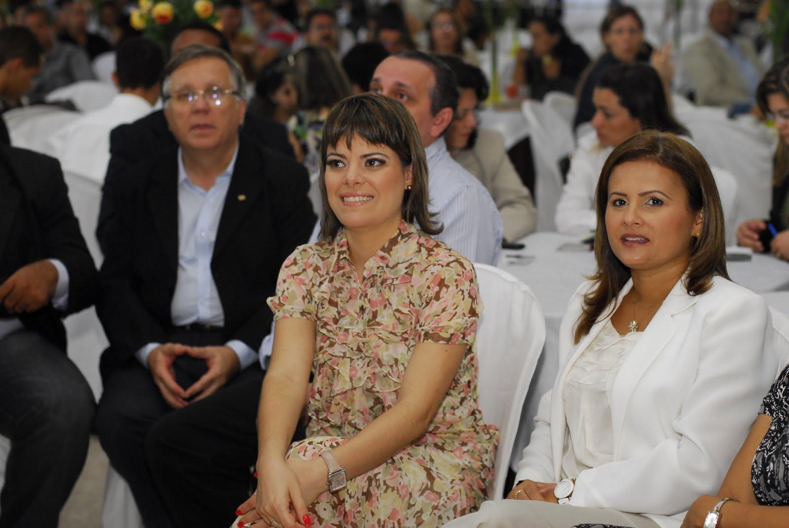 Resultado de imagem para Antônio Jacome e Micarla de Sousa