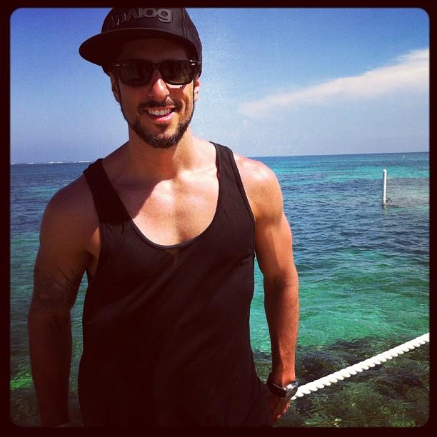 """Marcos Mion foi à Punta Cana para gravar o programa """"Legendários"""" Reprodução/Instagram - 11/05/12"""