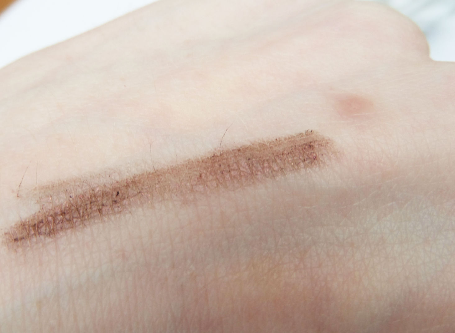MAC Kohl Power Eye Pencil in Raven Swatch