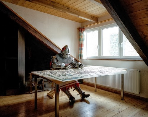 18-Austrian-Freelance-Photographer-Klaus-Pilcher-What-to-do-Between-Halloweens-www-designstack-co