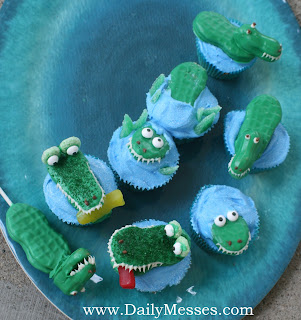 Daily Messes Alligator Cupcakes And Cookie Pops