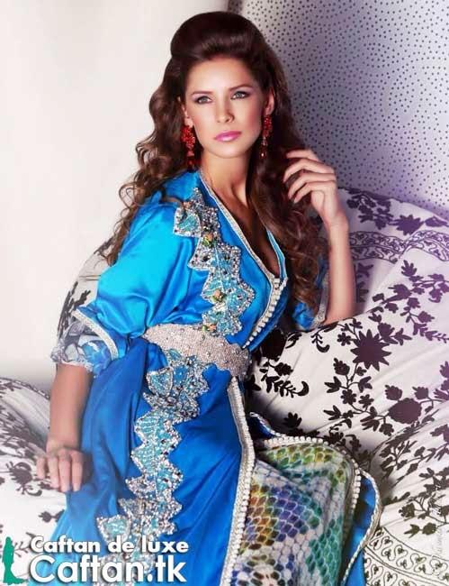 Caftan marocain bleu roi perlé