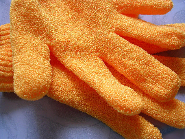 TBS Body Shop Bathing Exfoliating Gloves Mitts Reviews skincare makeup beauty blog