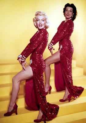 los-caballeros-las-prefieren-rubias-vestido-rojo-marilyn-monroe
