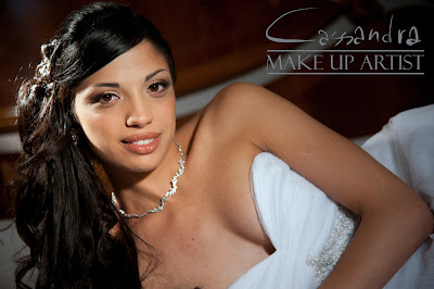 Make Up Sposa - Bridal Make Up - Trucco occhi sposa - Marrone - Grigio - Salmone - Nudo - Nude look - Make Up For Ever - Mufe - HD foundation - HD Powder - Romantic look - Brown - Peach - Grey - false lashes - ciglia finte- Capelli semiraccolti neri - occhi marroni