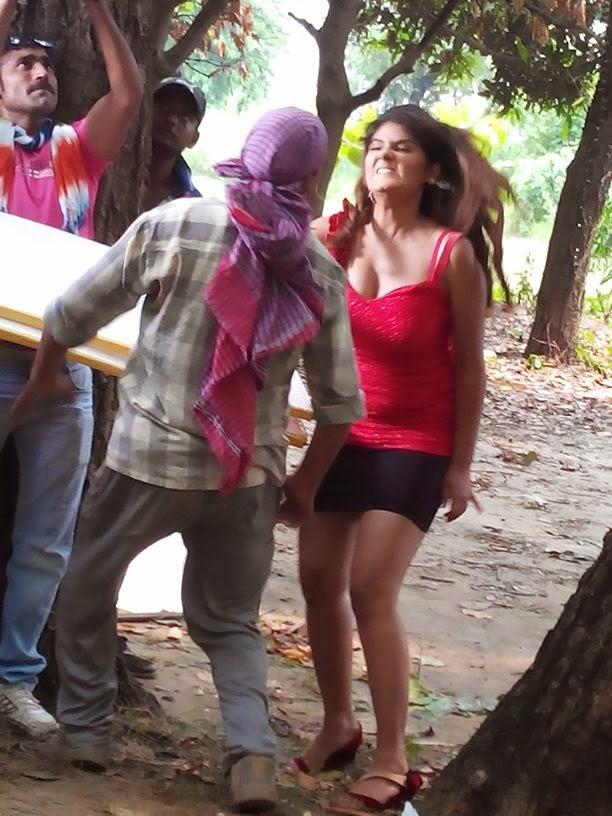 Neha Shree Shooting of  Bhojpuri Movie Rani Ki Hukumat Photo