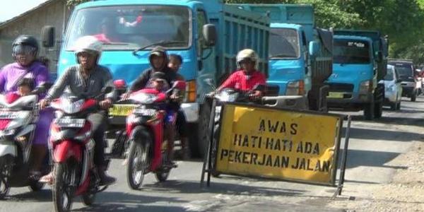 Pembangunan Tol Pejagan-Pemalang Merusak Infrastruktur Jalan Brebes