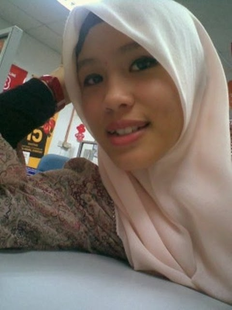 Gambar Bogel Jilbab Di Toketnya Ada Cupangan   Melayu Boleh.Com