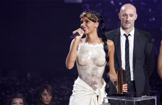 Shy'm corset sexy NRJ Music Awards