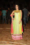 Sunny leone latest photos-thumbnail-17