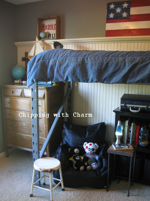 Chipping with Charm:  Pallet Racking Lofted Bed...http://www.chippingwithcharm.blogspot.com/