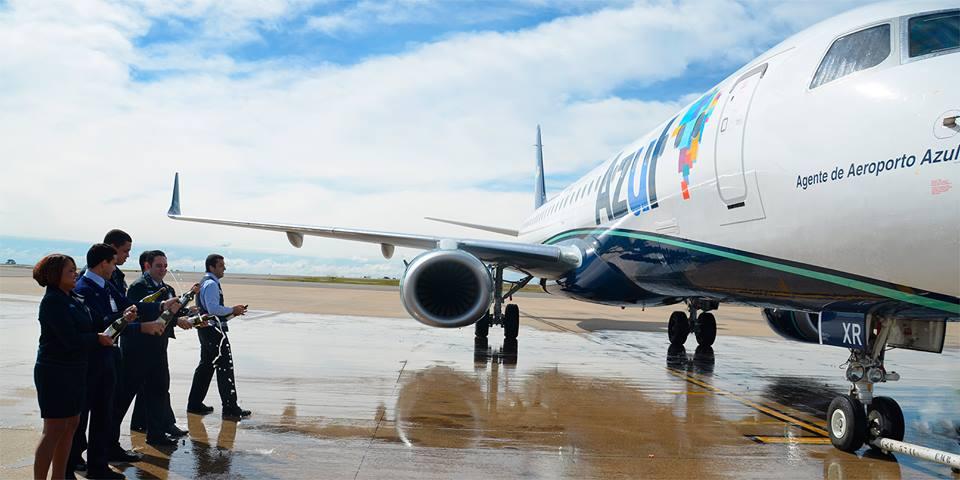 Novo Embraer batizado para homenagear o agente do aeroporto c9092c55596
