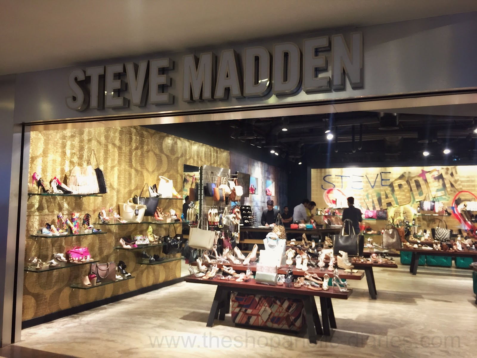 STEVE MADDEN - Knowing my love for STEVE MADDEN shoes, I really can't begin  this list without mentioning this iconic brand. Steve Madden is an  international ...