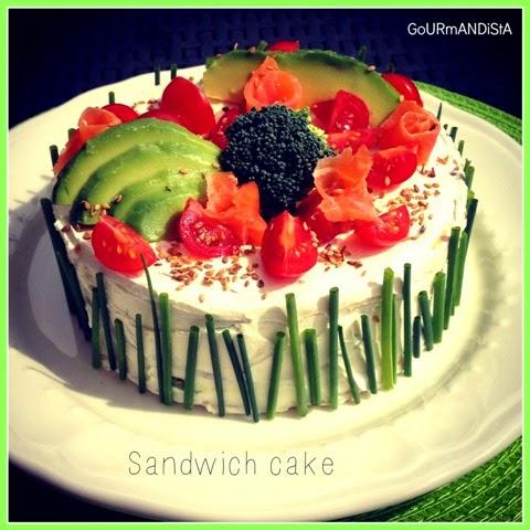image-Sandwich cake : pains suédois, saumon et avocat