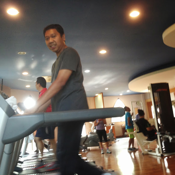 Nge gym di celebrity fitness