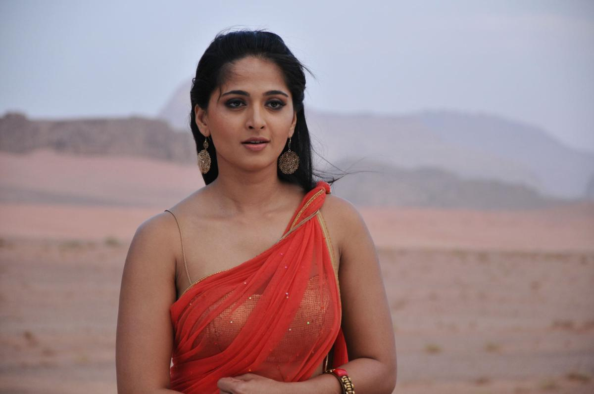 Anushka Shetty Saree Stills