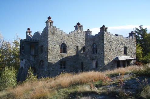 7 Kastil Yang Dijaga Oleh Para Hantu Seram, Berani Liat?