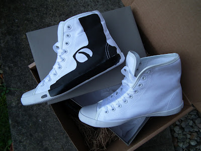 Sammi Jackson - Be&D gun pistol canvas high top trainers