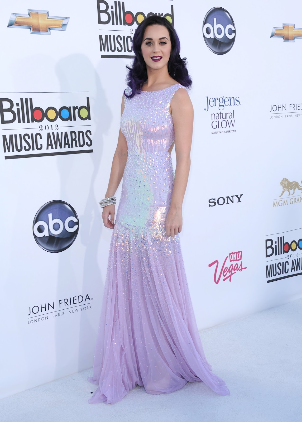 http://1.bp.blogspot.com/-G_NKlc5C3IQ/T7qhqr28q1I/AAAAAAAASQg/rMSVw7BoUTc/s1600/Katy+Perry+Billboard+Awards+2012+red+Carpet.jpg