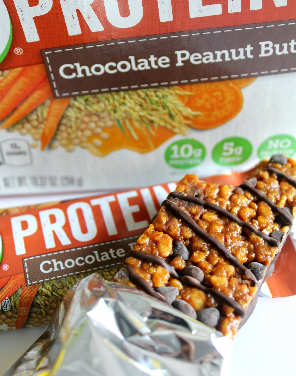 Make good-for-you choices this holiday season with the new Campbell's V8 Protein shakes and bars! #LoveV8Protein #ad