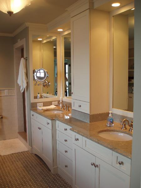 White bathroom vanity pics bathroom furniture for Bathroom double vanity design ideas