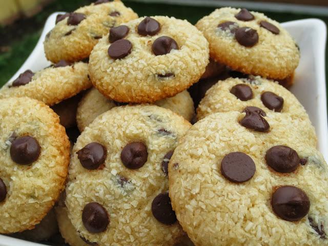 Mini-cookies de coco y chocolate Ana Sevilla