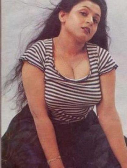 Suchitra Hot Rare Cleavage Show