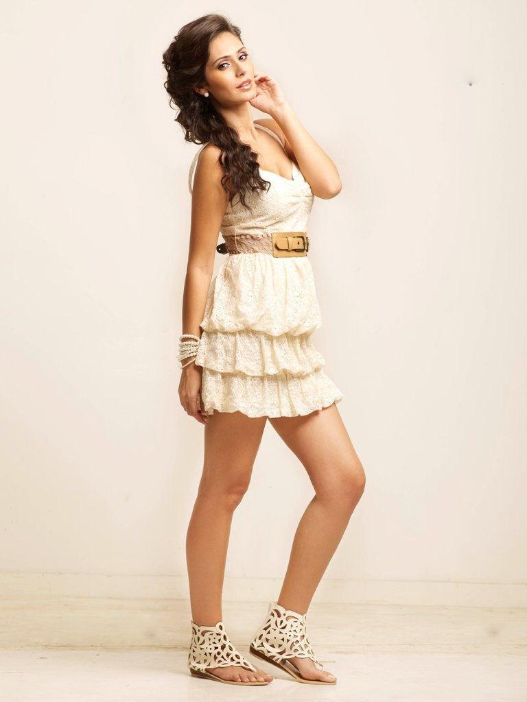 Bruna abdullah hot back bruna abdullah in short dress bruna abdullah - Bruna Abdullah Wallpaper 15