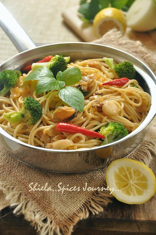 tomyam seafood spaghetti
