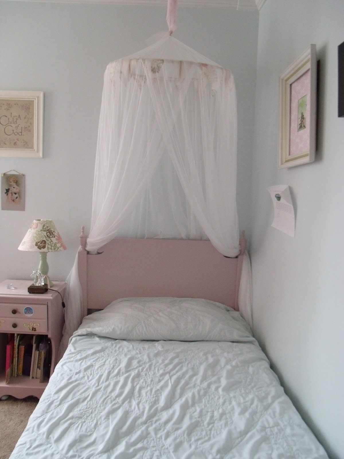 reclaim renew remodel shabby chic style bed canopy. Black Bedroom Furniture Sets. Home Design Ideas