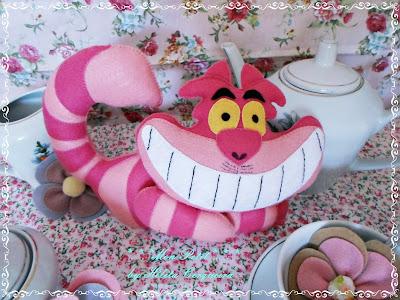 decoração aniversário-em feltro-Alice no país das Maravilhas-Gato-risonho-Alice in Wonderland-felt- Cheshire Cat