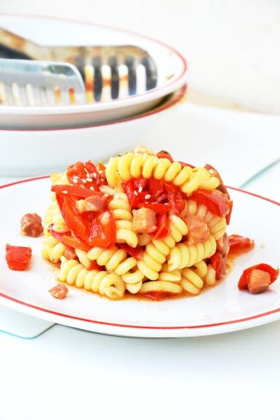 pasta ai peperoni e pancetta con timo