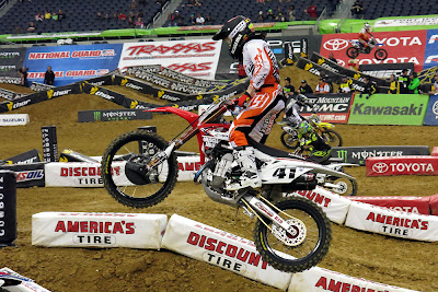 Trey Canard trying hard on his CRF450R