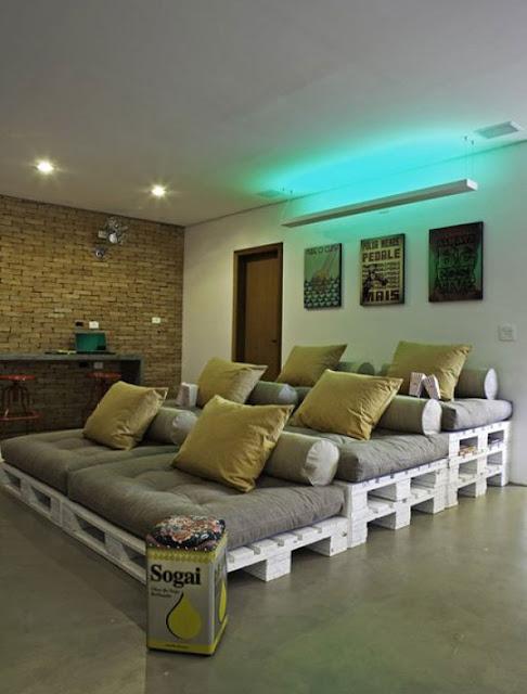 Kino-Feeling mit Couch-Treppe zum Selbermachen