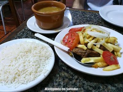 Porto do Moreira: Filé com Fritas, Arroz e Feijão
