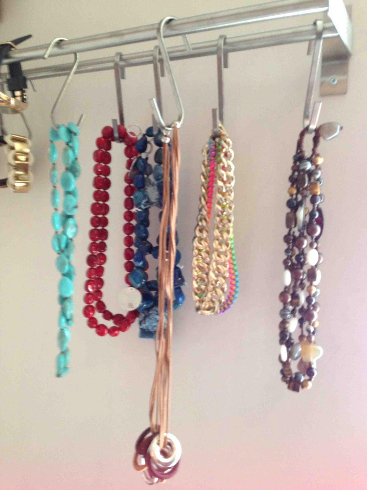 Beautyfull by mar a ideas para decorar tu habitaci n - Para colgar collares ...
