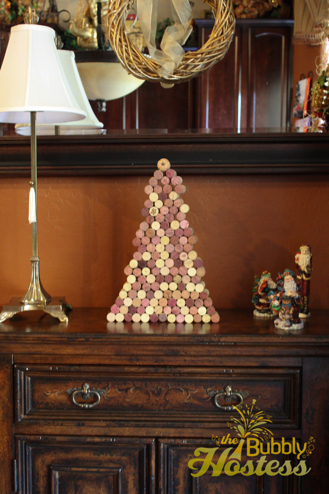 the bubbly hostess wine cork christmas tree. Black Bedroom Furniture Sets. Home Design Ideas