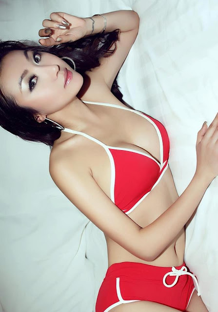 Foto HOT || ABG Blasteran indo - japang Pose HOT