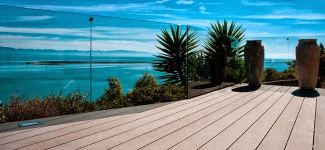 tarima exterior sintetica en terraza