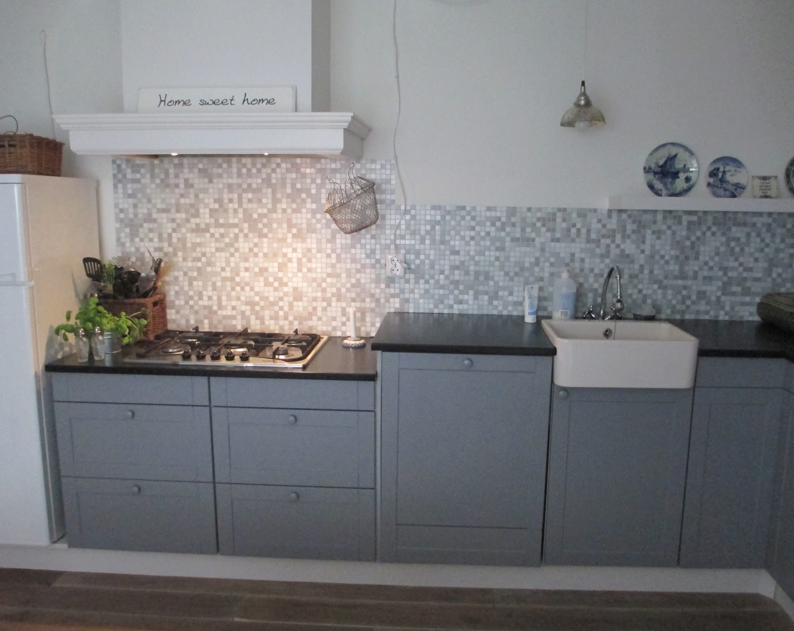 Hoekkast Keuken Maten : Witte Keuken Met Houten Blad : Mooie keuken met witte houten vloer