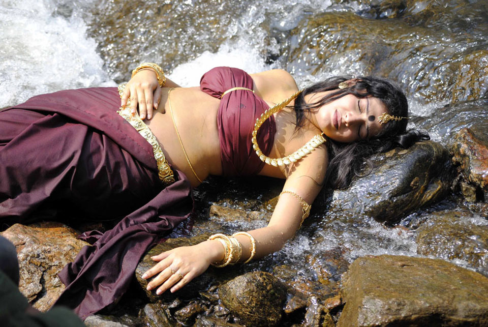 Hari priya hot in wet dress photos