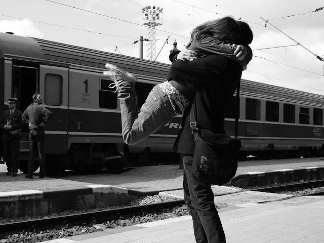 http://1.bp.blogspot.com/-Gc9pxPmcMmw/UPQwu1skViI/AAAAAAAACKs/56l3bUkmDNY/s1600/fotos-de-parejas-enncuentros-de-amor.jpg