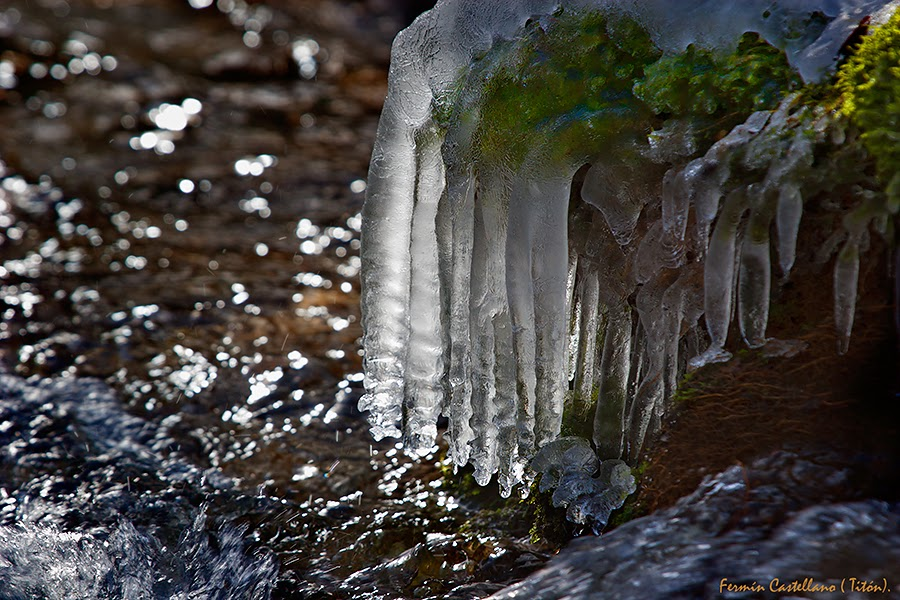 Río y hielo