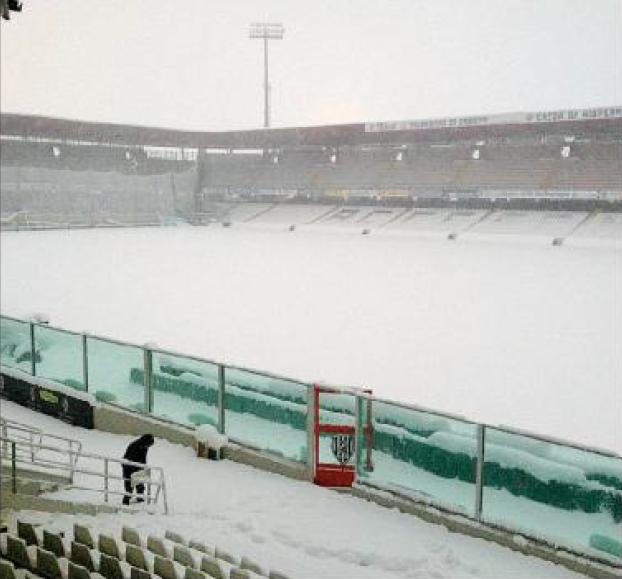 Calcio, rinviata Cesena-Catania
