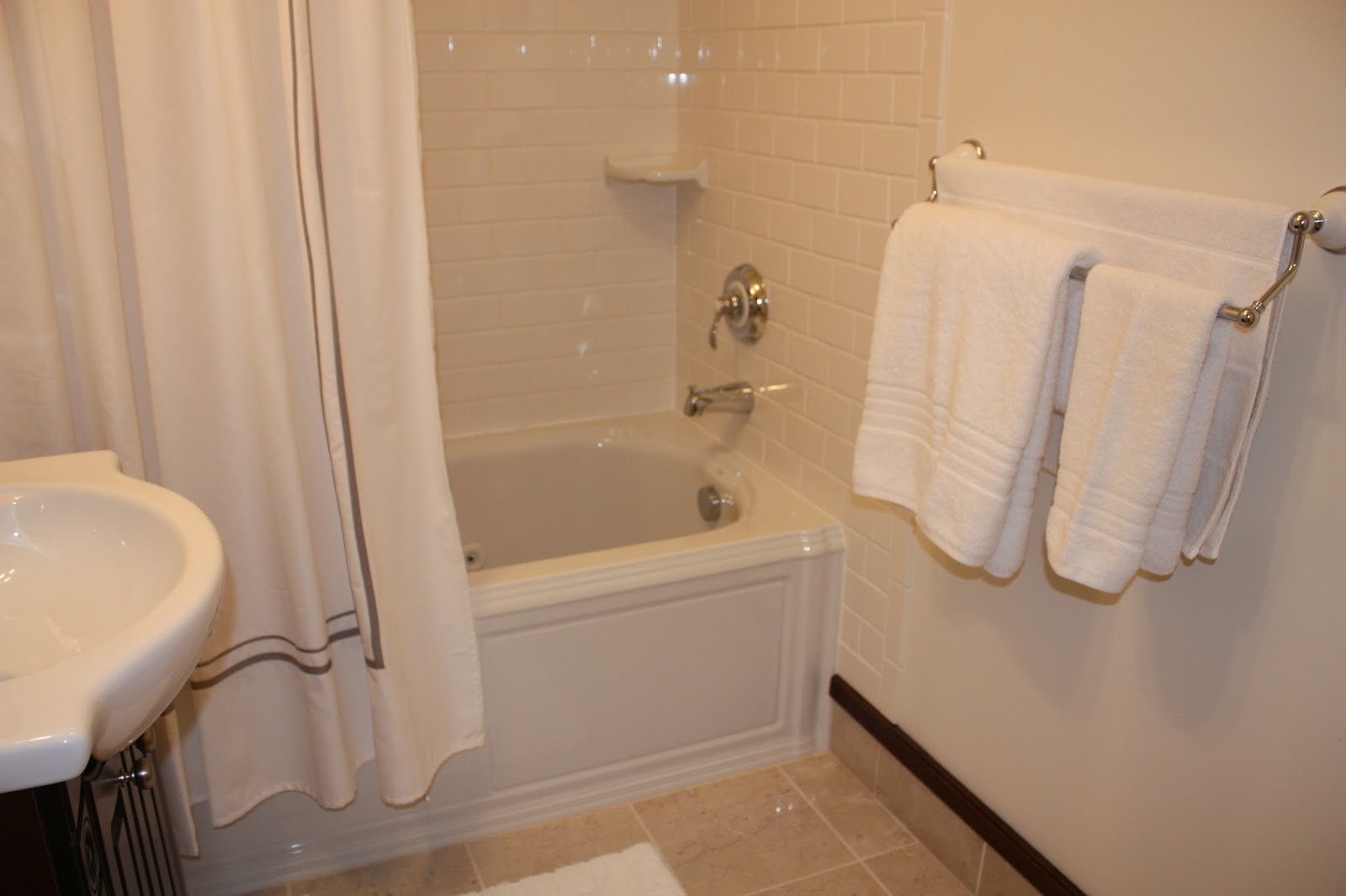 Appledale Designs: The Hall Bath