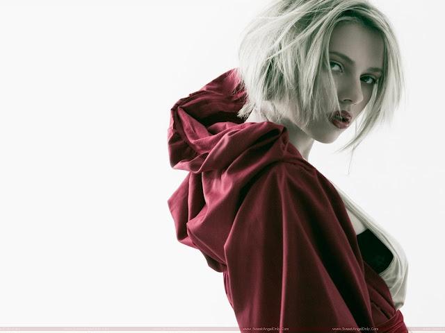 Scarlett Johansson milky model